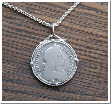 coin_pendant_front