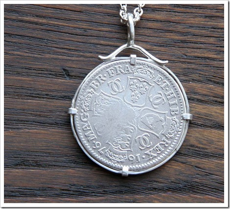 coin_pendant_back